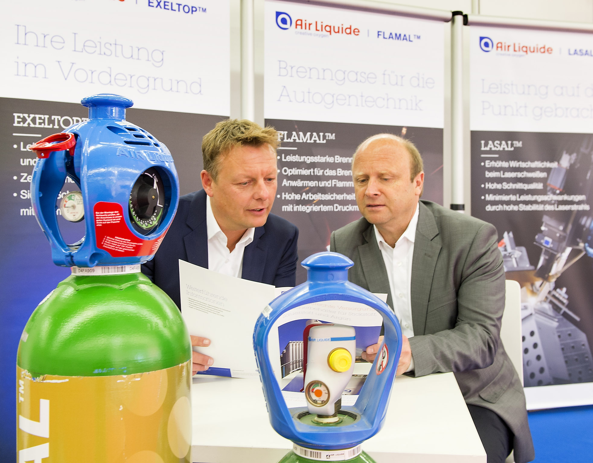 CUTTING WORLD: Airliquide
